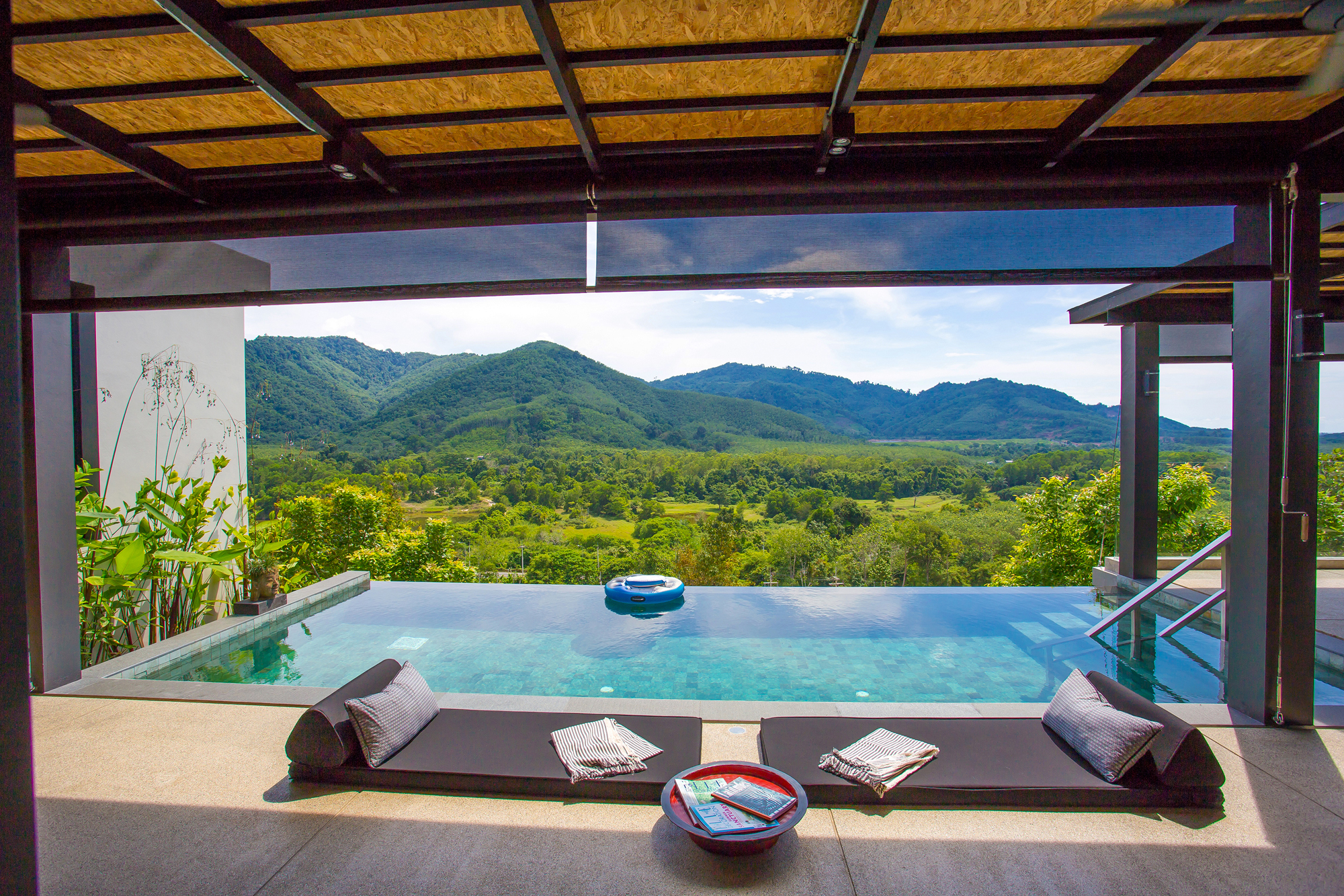 4-Bedroom pool villa with mountain view