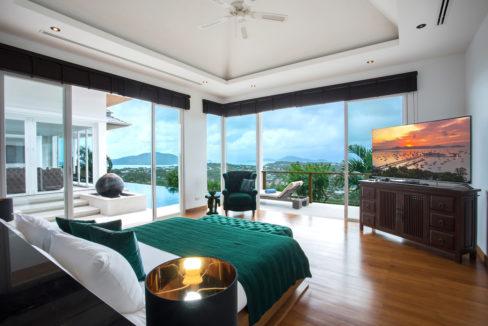 18 Master Bedroom Suite 1