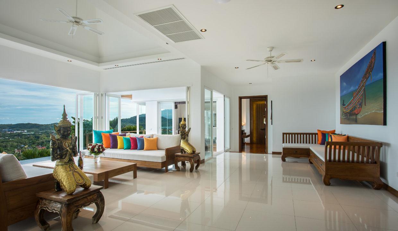 7 Living Area