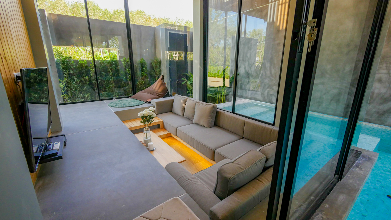 Eco-Friendly Pool Villa Near Blue Tree Water Park