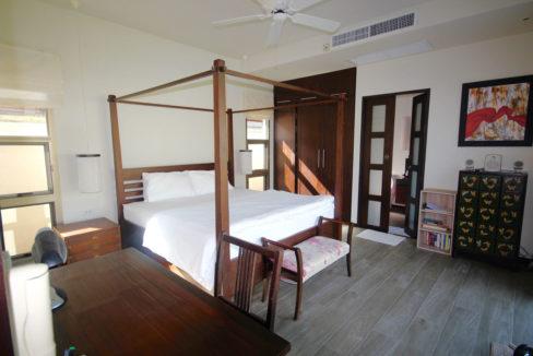 TG14 - Master bedroom