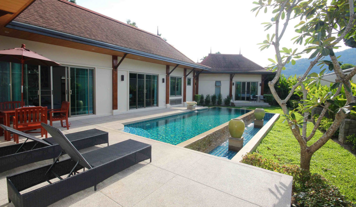 TG14 - Pool and garden