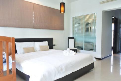 B1 - Master bedroom