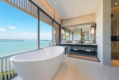 Master Bathroom Pool Villa B