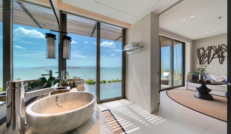 Pool Suite_Bathroom