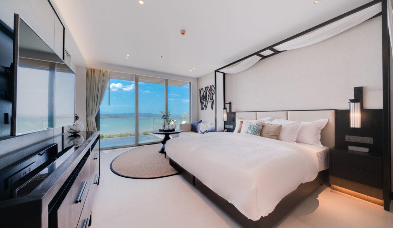 Pool Suite_Bedroom