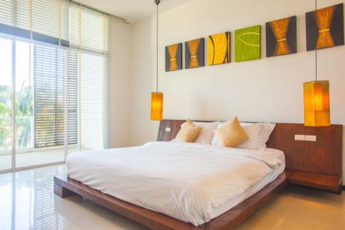 V5 - Master bedroom