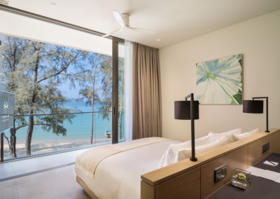 Azure-Sea-View-Penthouse-Private-Pool-2-Bedroom_Master-Bedroom-400x284