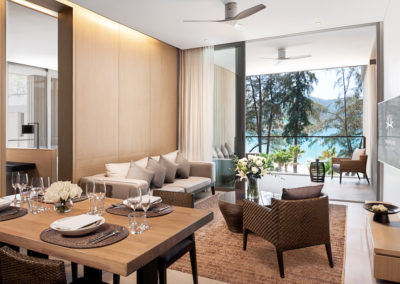 Azure-Sea-View-Penthouse-Private-Pool_Dining-Room-400x284