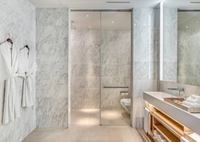 Grand-Azure-Penthouse_Bathroom-2-400x284