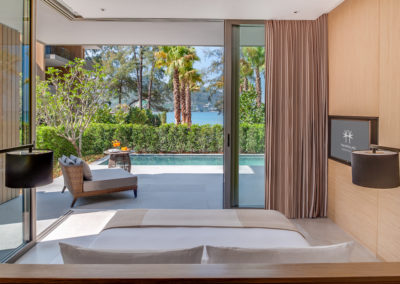 Grand-Azure-Sea-View-Suite-Private-Pool-_Bedroom-1-400x284