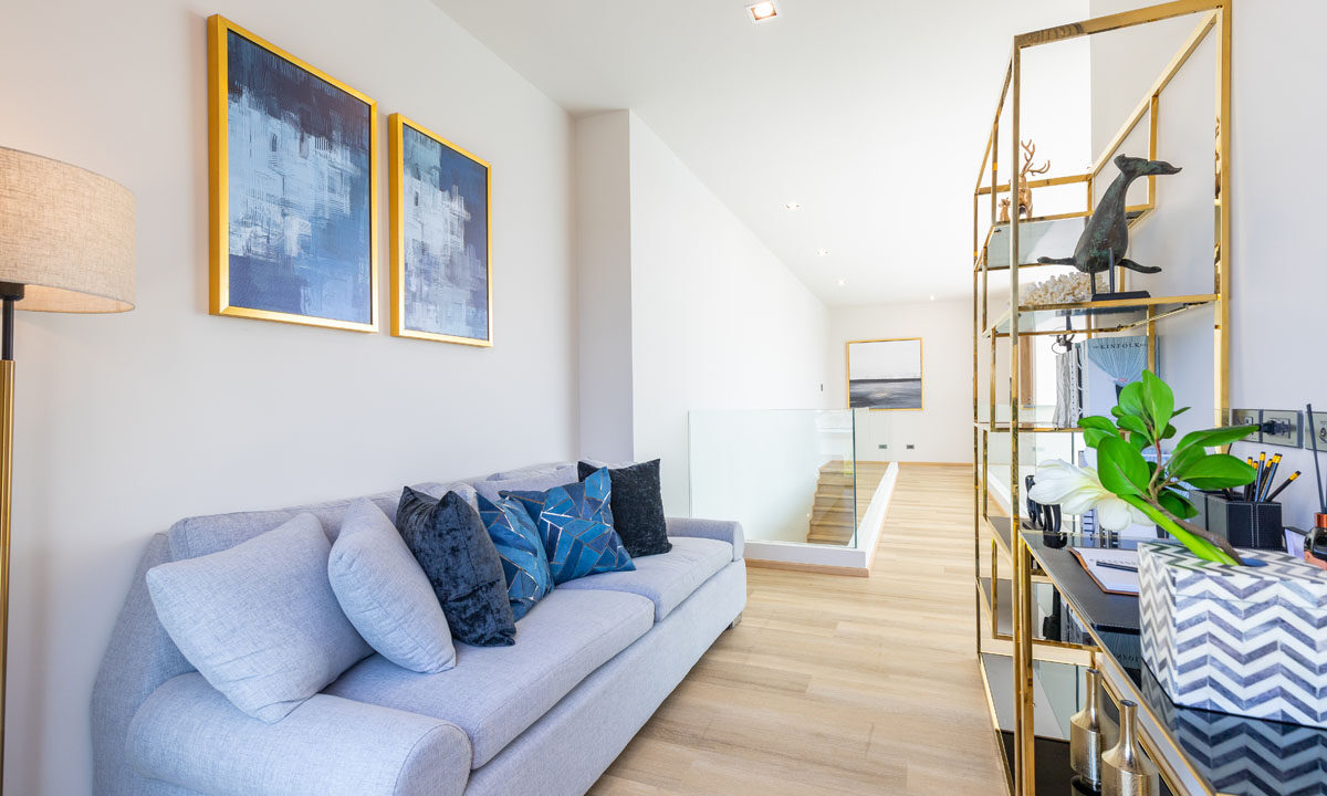2nd Living room1