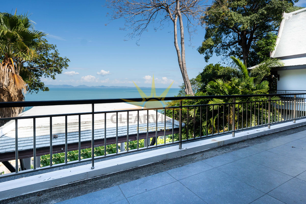 A Great Deal on This Panoramic Ocean View Villa