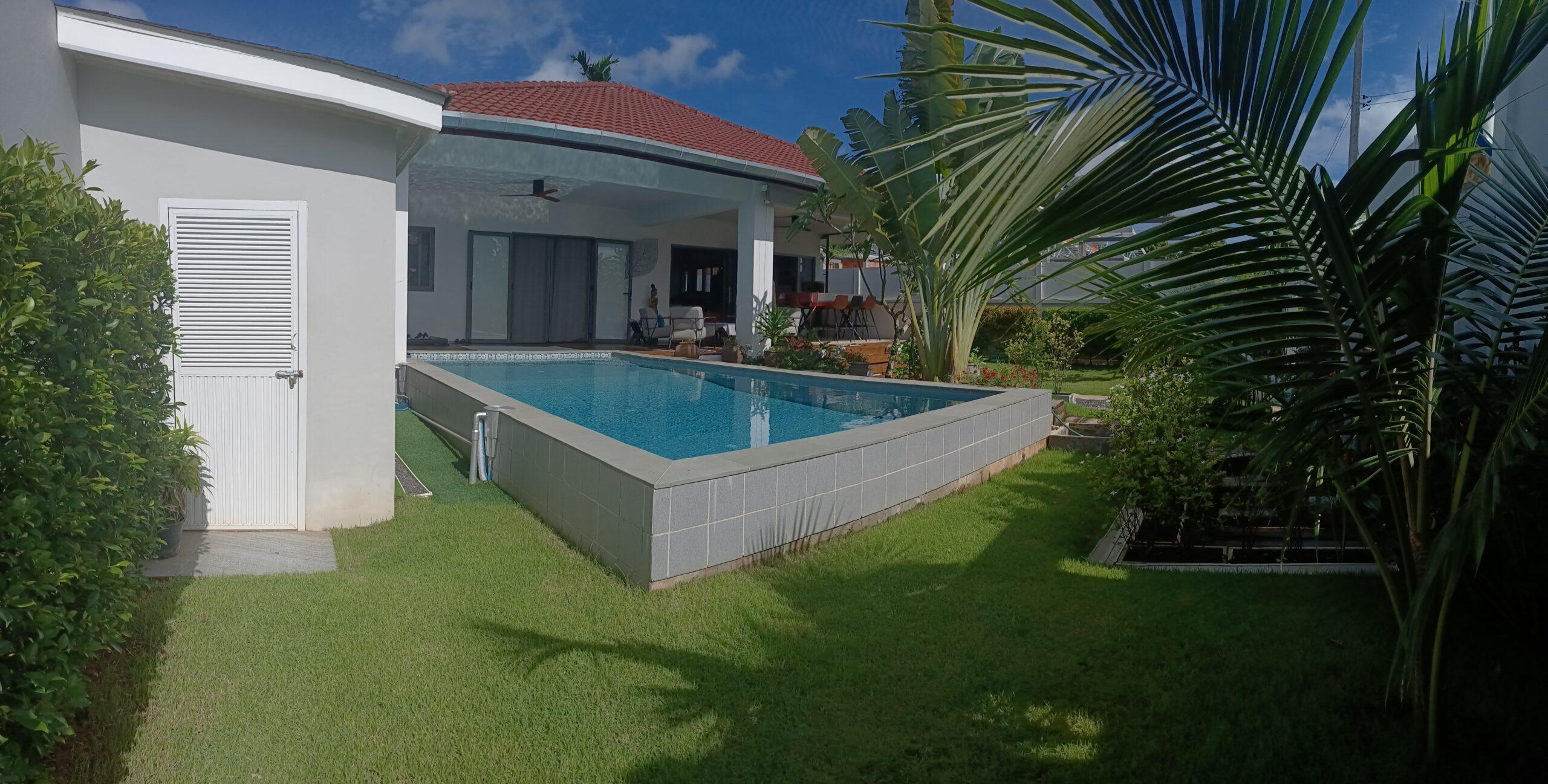 Private pool villa for sale near Laguna